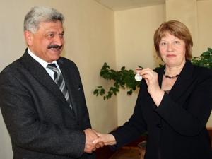 Кобешавидзе  А.Б.  вручен  Почетный  знак  ФНПР «За  активную  работу  в  профсоюзе»